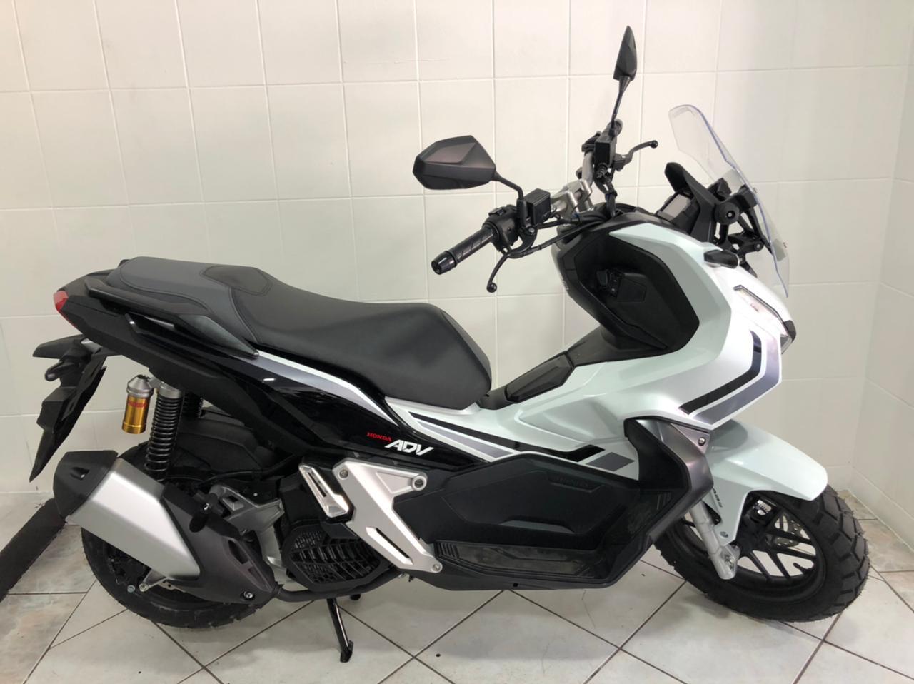 Honda X-ADV 2021 la prova del maxi scooter enduro Honda